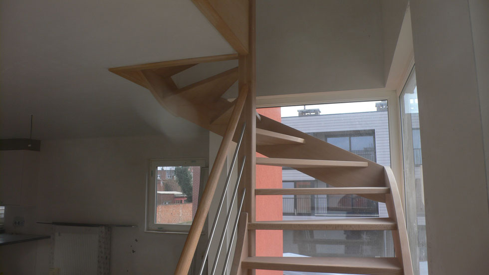 Trappen in beuk 19