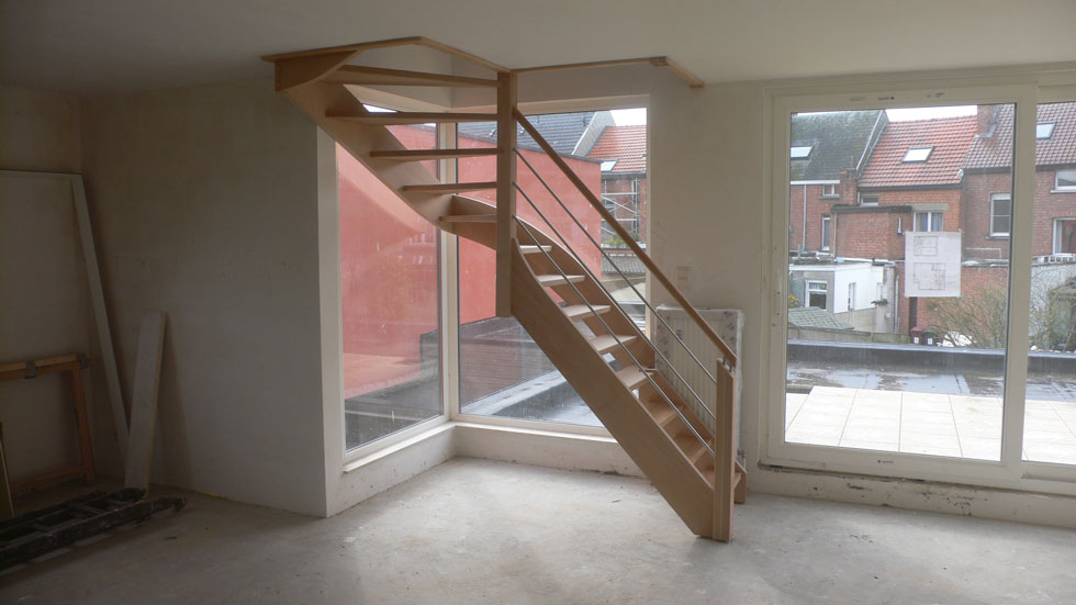 Trappen in beuk 0
